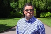 Robert Buckland MP Pledges his support for Cancer Research UK