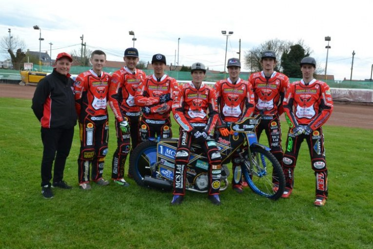 Robins continue winning streak in front of cameras