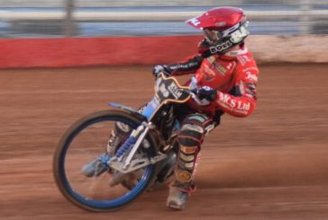 Advantage Robins in Premiership Play-Offs